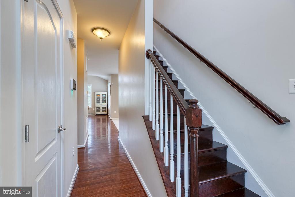 Gleaming hardwood floors - 60 SANCTUARY LN, STAFFORD
