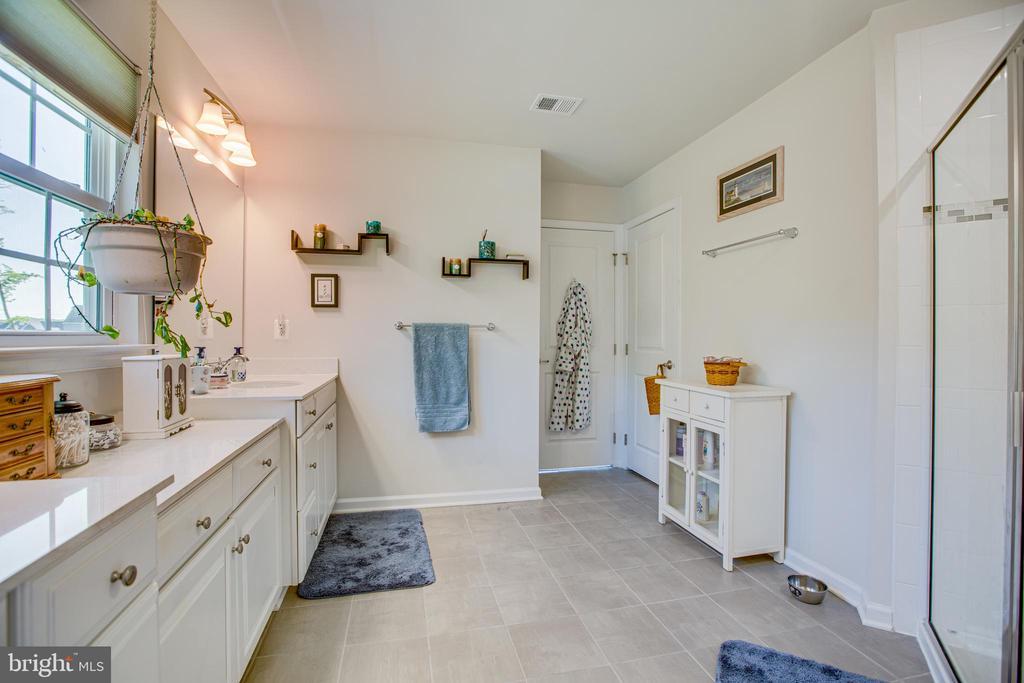 Linen closet in bathroom - 12504 BAINSWOOD CT, FREDERICKSBURG