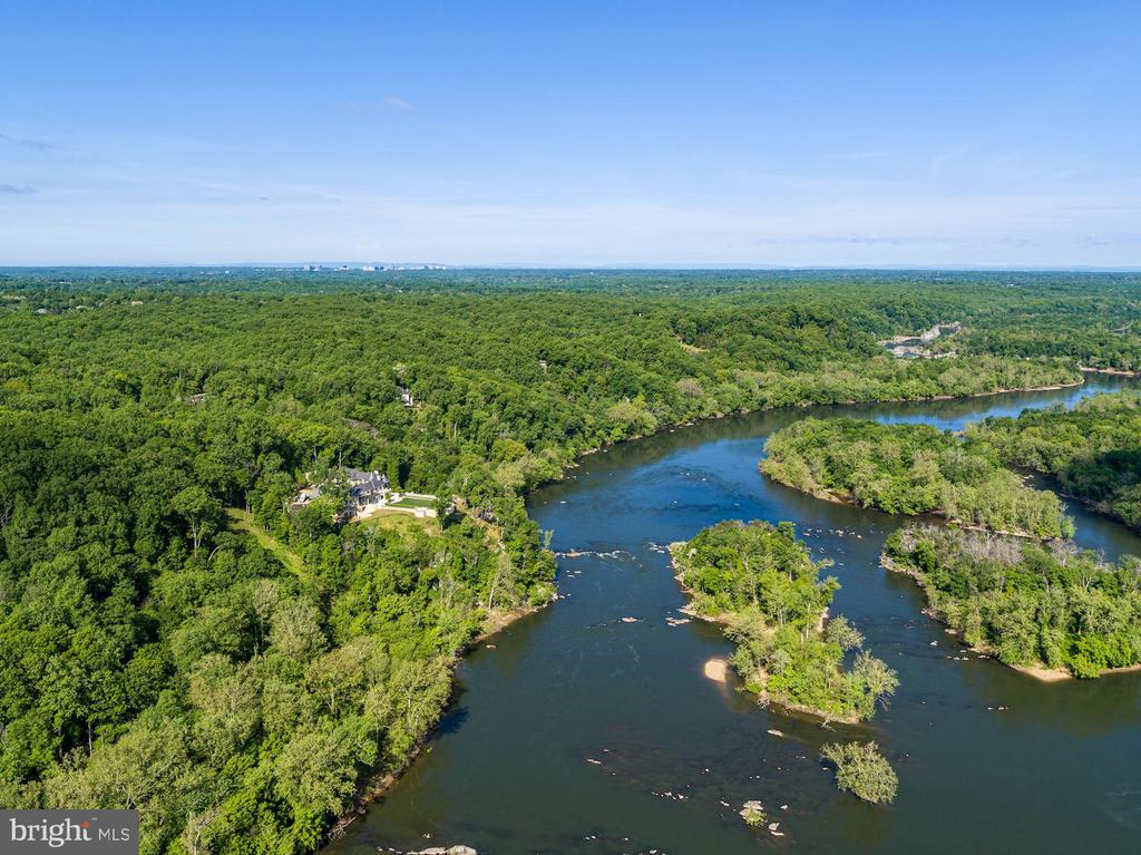 5+ acres with Waterfront Exposure on the Potomac! - 701 BULLS NECK RD, MCLEAN