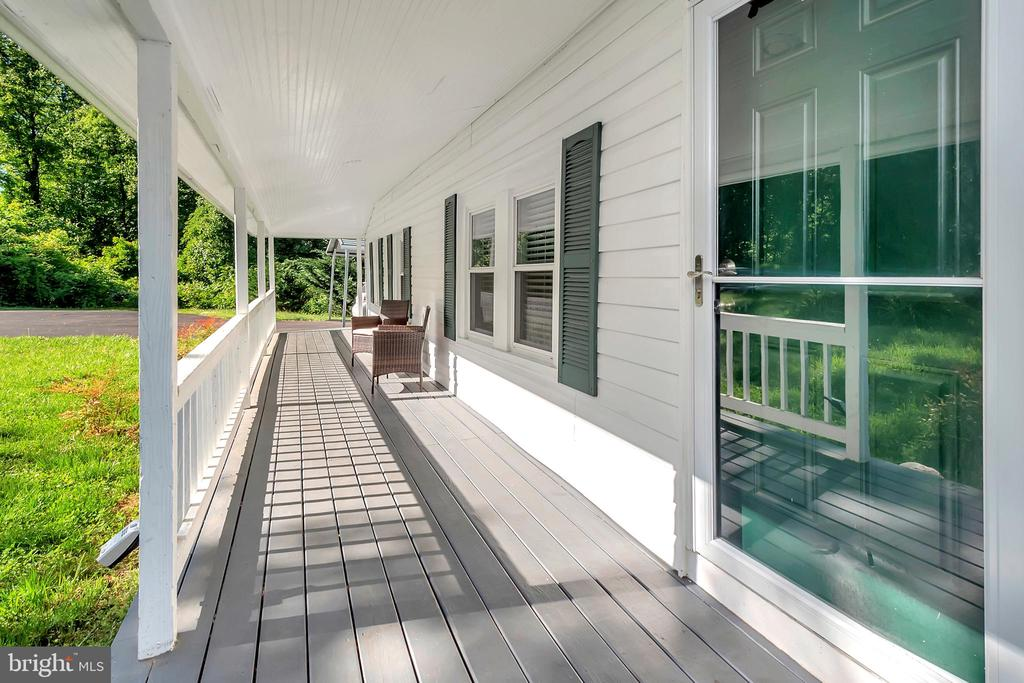 Front porch - 593 WIDEWATER RD, STAFFORD