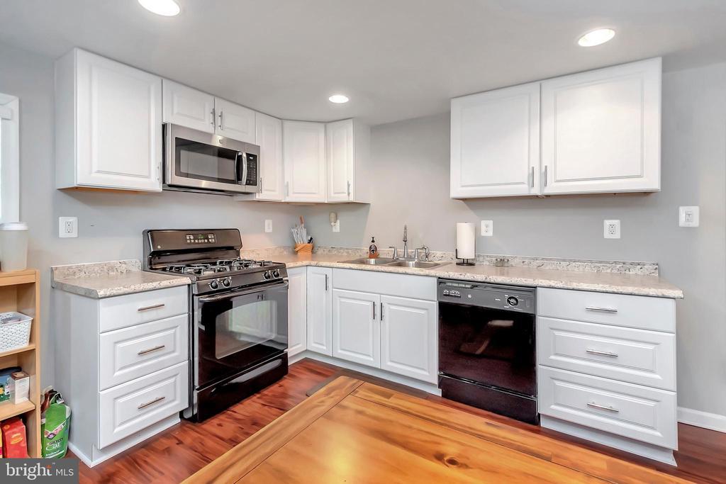 Kitchen - 593 WIDEWATER RD, STAFFORD