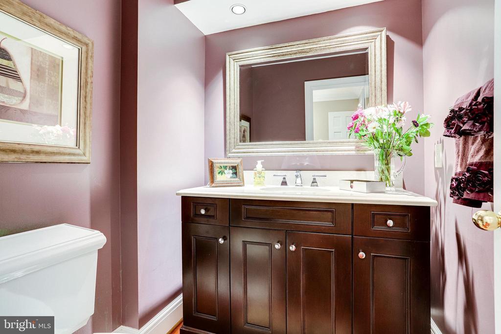 Half Bath on main level - 11967 GREY SQUIRREL LN, RESTON