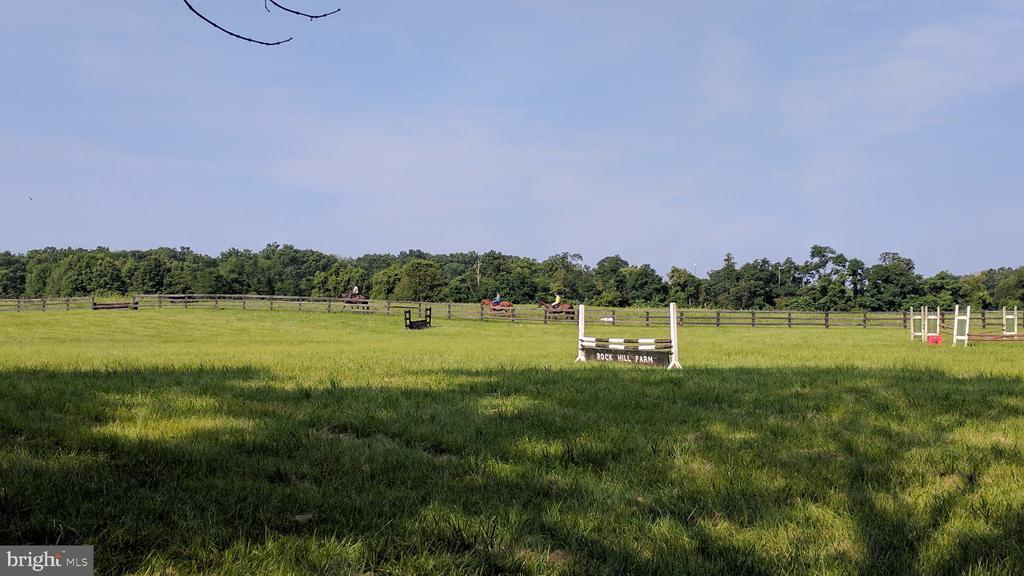 Field practice ring - 20775 AIRMONT RD, BLUEMONT