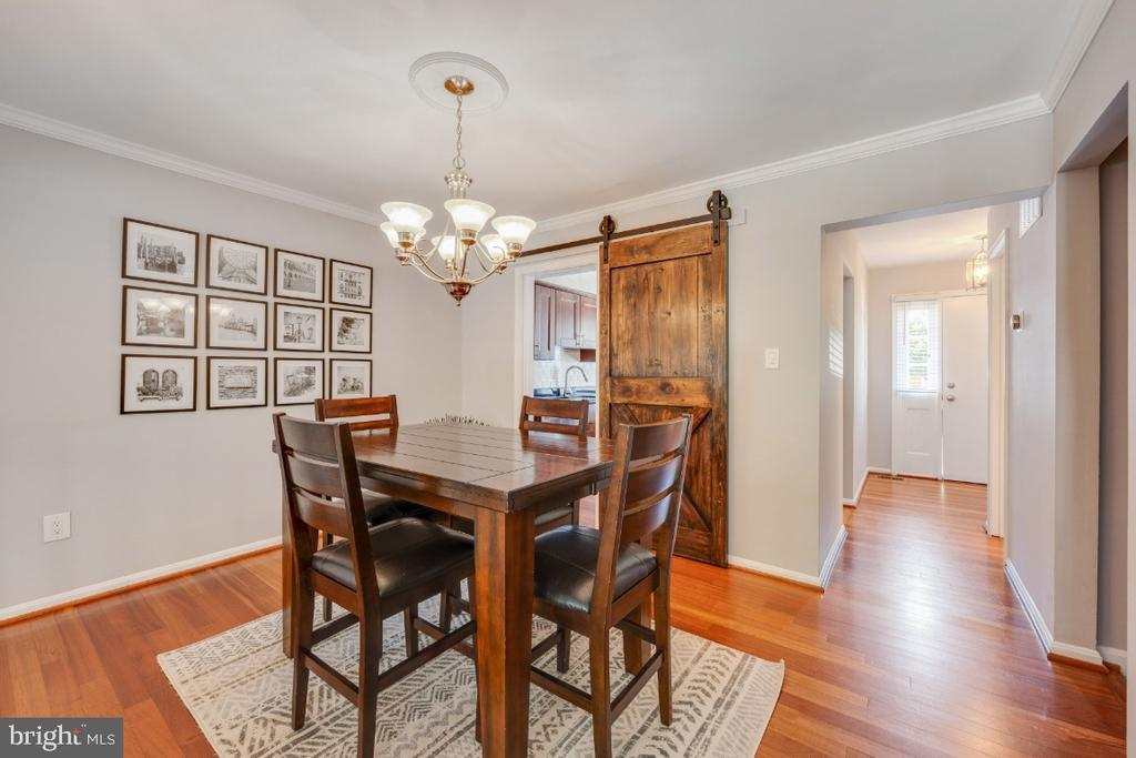 - 5752 HERITAGE HILL DR, ALEXANDRIA