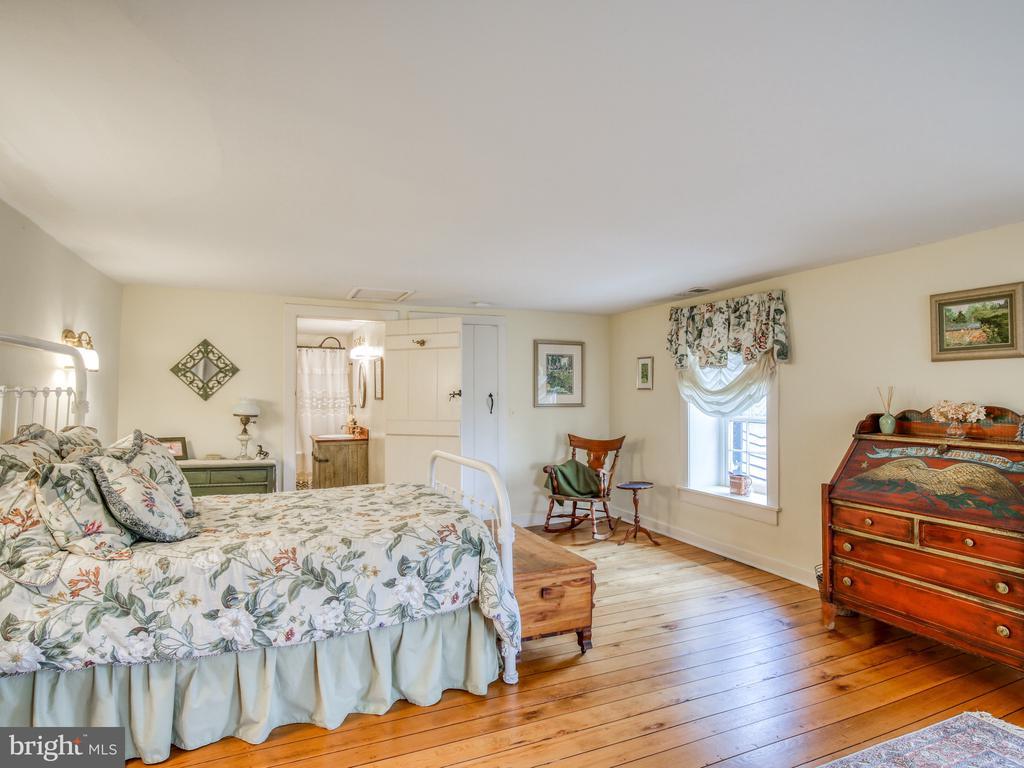 Bedroom 1 on second floor - 20775 AIRMONT RD, BLUEMONT