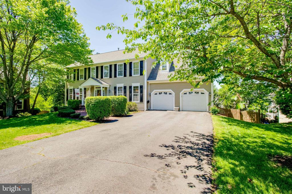 Front - 13645 MELSTONE DR, CLIFTON