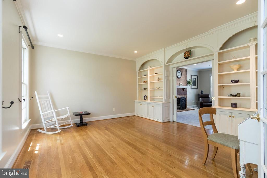 Living Room with Built in Shelving - 13645 MELSTONE DR, CLIFTON