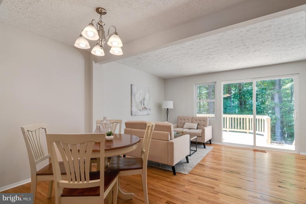 Beautiful open concept floor plan - 8444 SUGAR CREEK LN, SPRINGFIELD