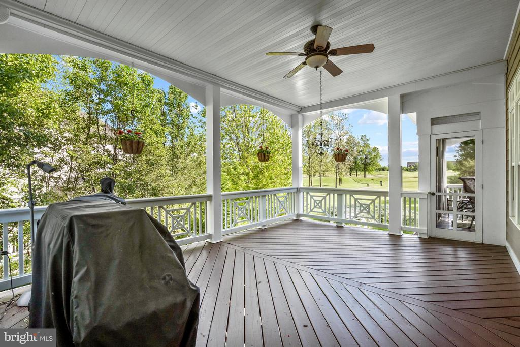 Large Deck with Golf Course Views - 43327 RIVERPOINT DR, LEESBURG