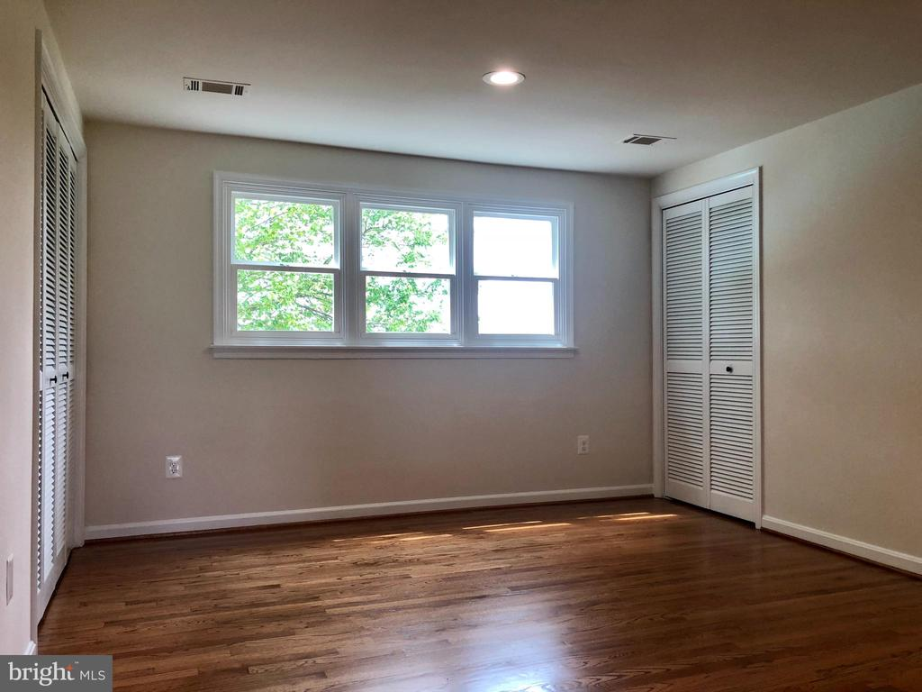 400 AMP ELECTRIC SERVICE, RECESSED LIGHTING - 8450 PALMER RD, MIDDLETOWN
