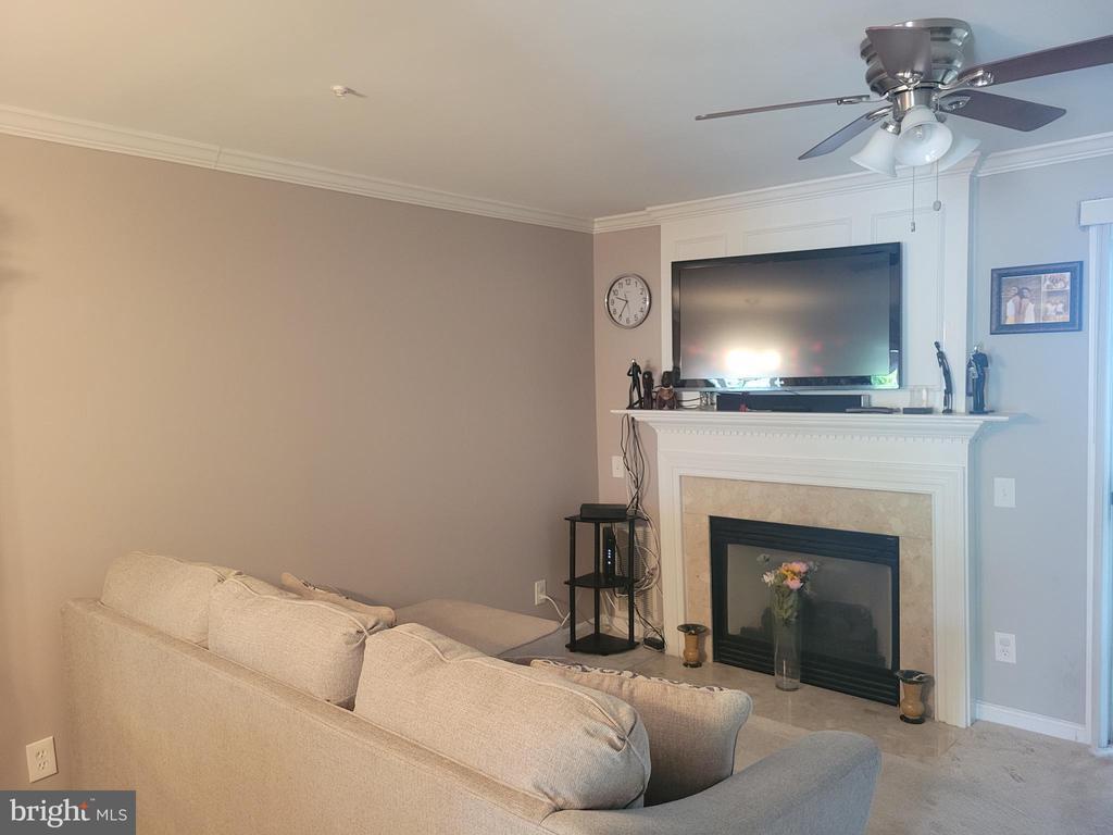 Living Room - 11755 TOLSON PL #11755, WOODBRIDGE