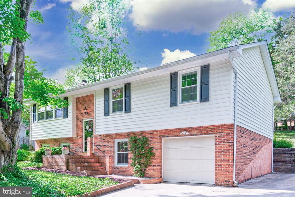 Very well maintained on 3/4 acre - 36 SENECA TER, FREDERICKSBURG