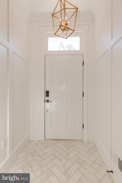 Entry features herringbone marble flooring - 212 A ST NE, WASHINGTON