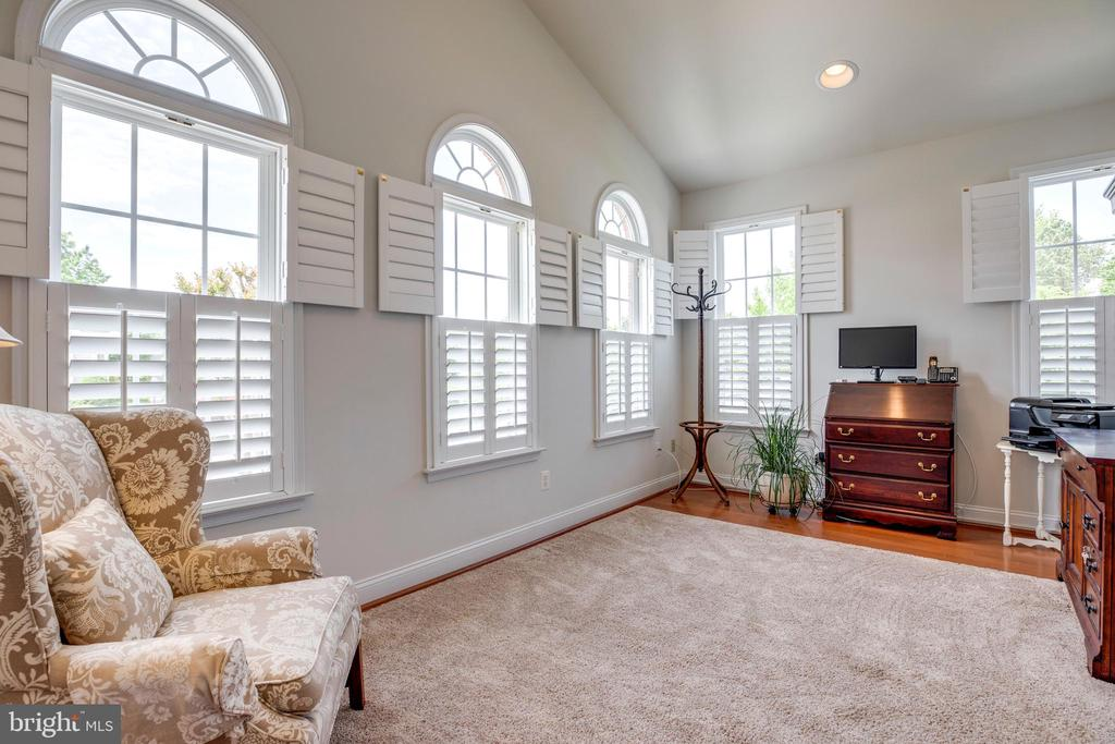 Bright windows and shutters - 6901 BROADLEAF TER, GAINESVILLE