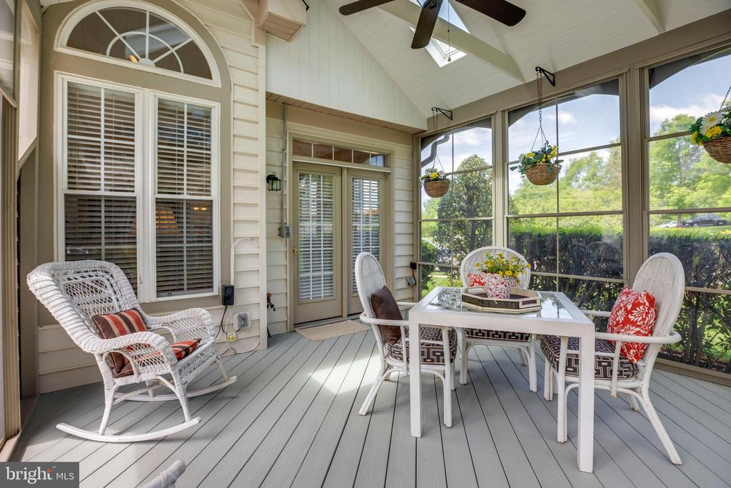 Easy breeze covered deck patio - 6901 BROADLEAF TER, GAINESVILLE