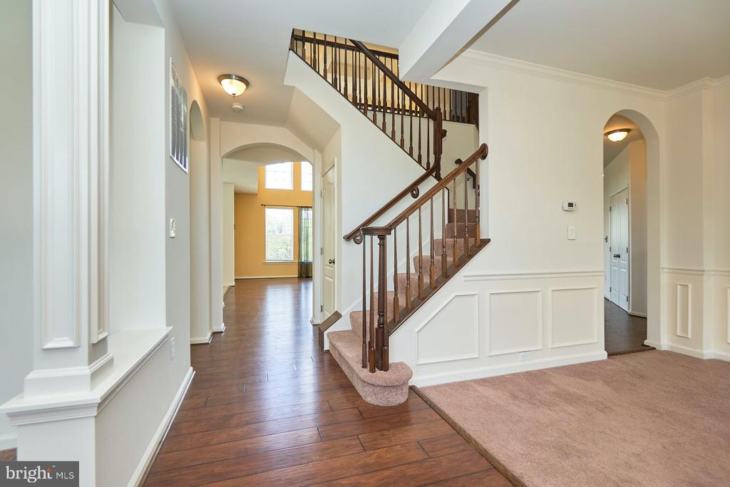 Entry Foyer - 13944 BARRYMORE CT, GAINESVILLE