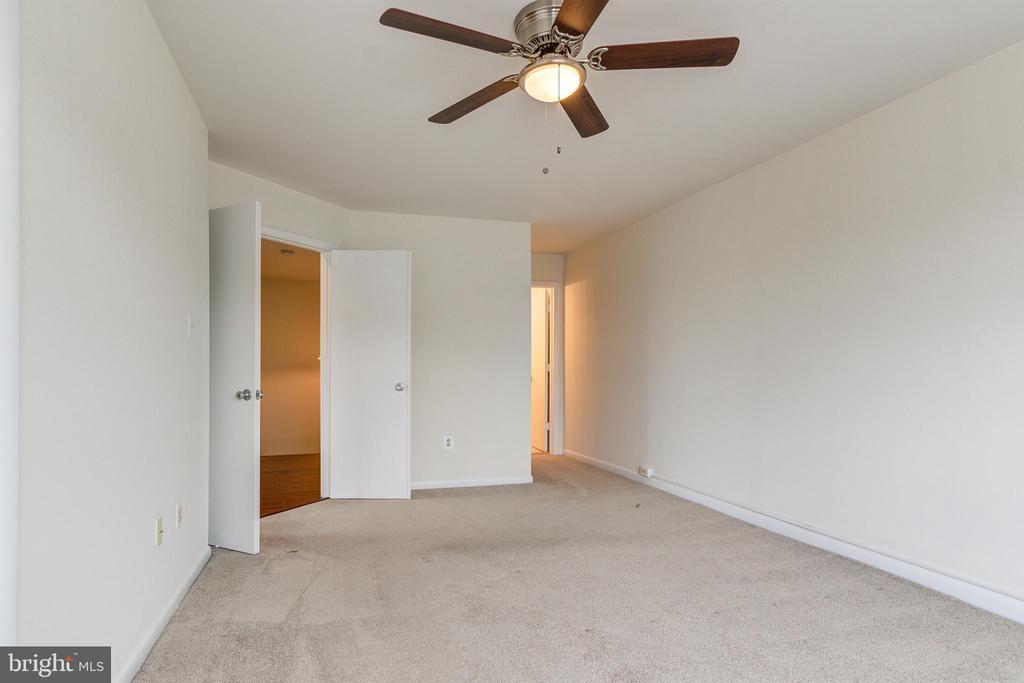 Master Bedroom 3 - 44257 MOSSY BROOK SQ, ASHBURN