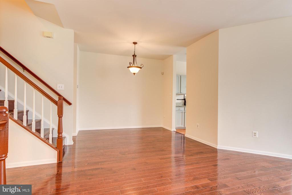 Dining Room off of Family Room - 44257 MOSSY BROOK SQ, ASHBURN