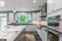 Plenty of counter space and cabinetry - 4516 BURKE STATION RD, FAIRFAX