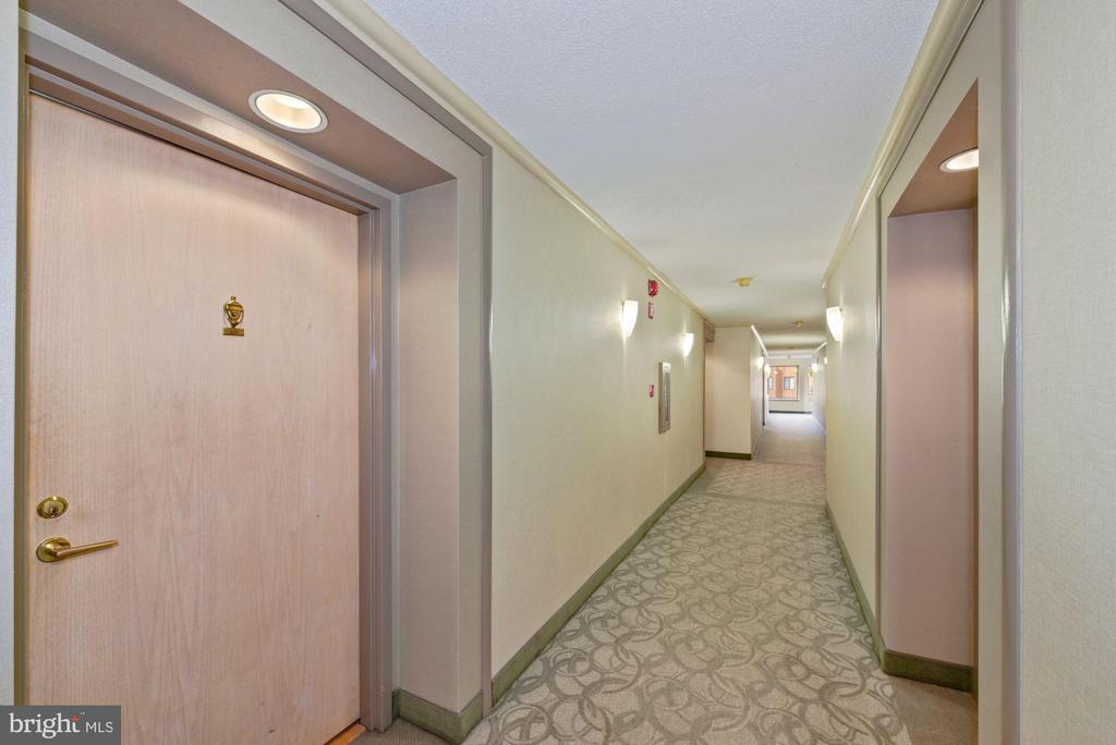 Hallway on 4th floor. - 2111 WISCONSIN AVENUE, NW #420, WASHINGTON