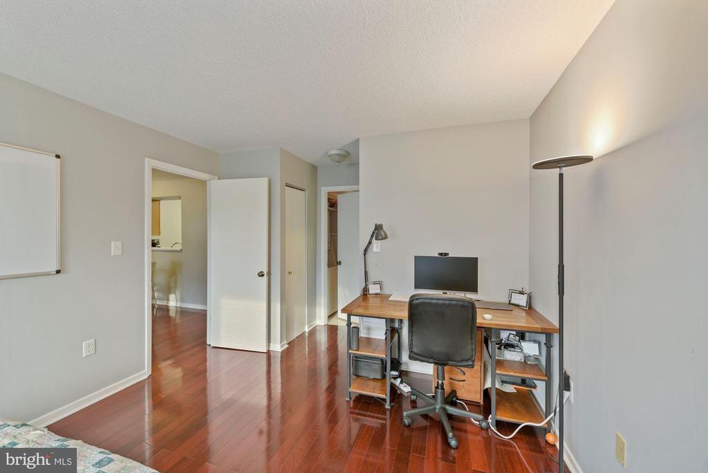Bedroom - study area. - 2111 WISCONSIN AVENUE, NW #420, WASHINGTON