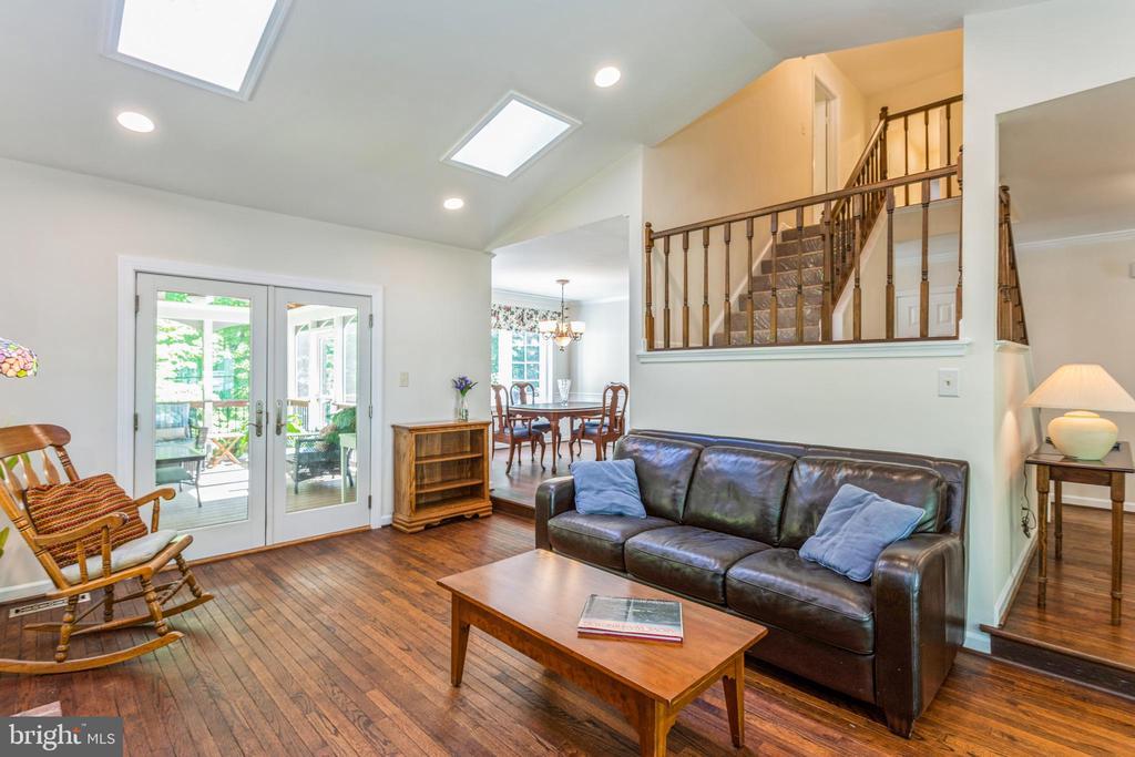 Gorgeous real hardwood flooring throughout main - 13619 BRIDGELAND LN, CLIFTON