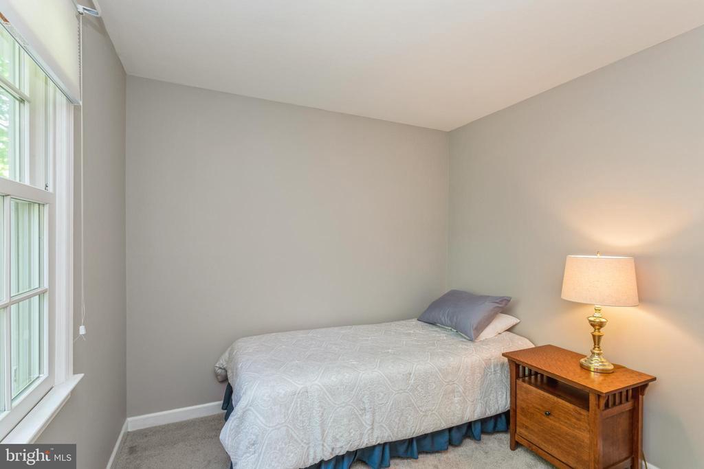 Bedroom #3, abundant natural light - 13619 BRIDGELAND LN, CLIFTON