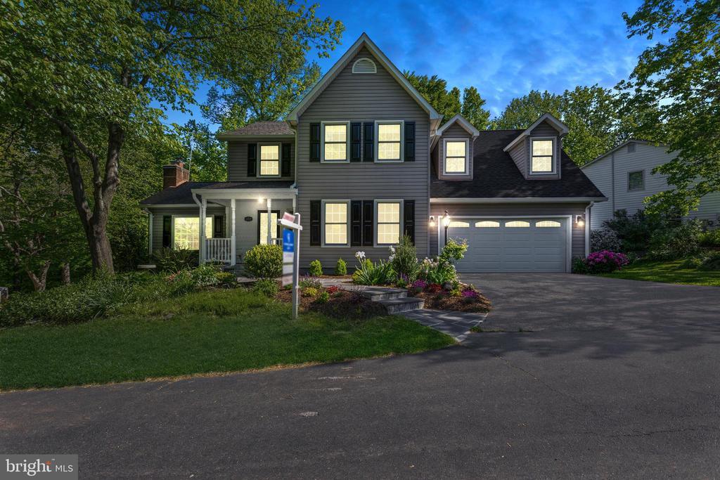 Welcome home! 13619 Bridgeland Lane, Clifton VA - 13619 BRIDGELAND LN, CLIFTON