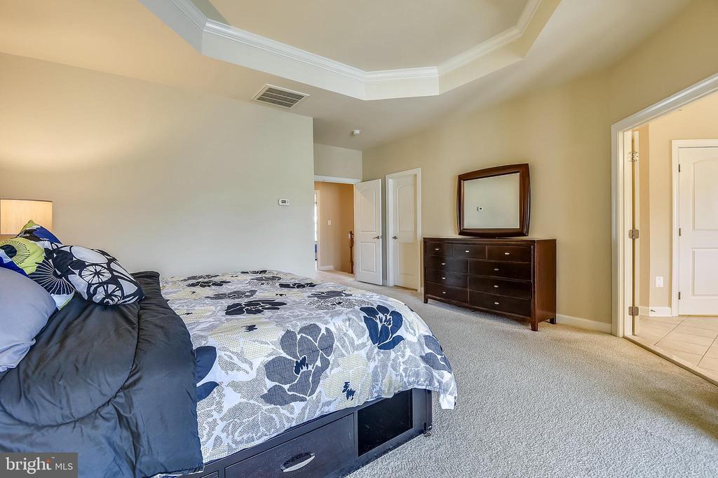 Main bedroom - 24953 EARLSFORD DR, CHANTILLY