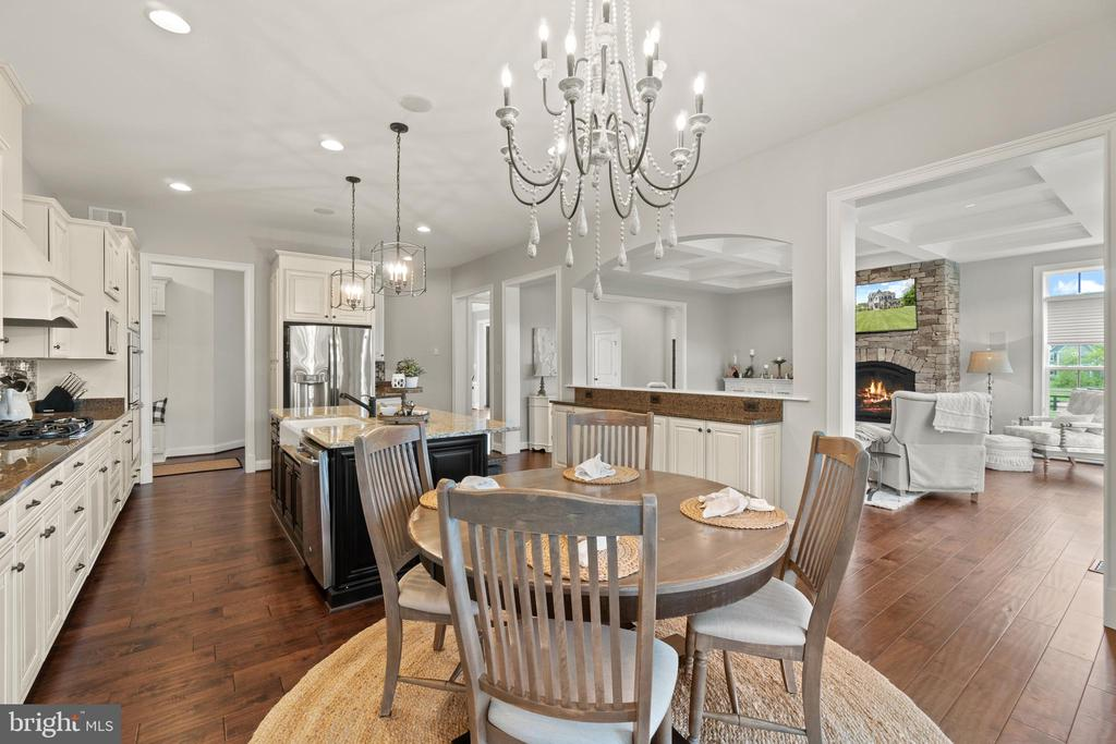 Dining Area in Kitchen - 35543 GREYFRIAR DR, ROUND HILL