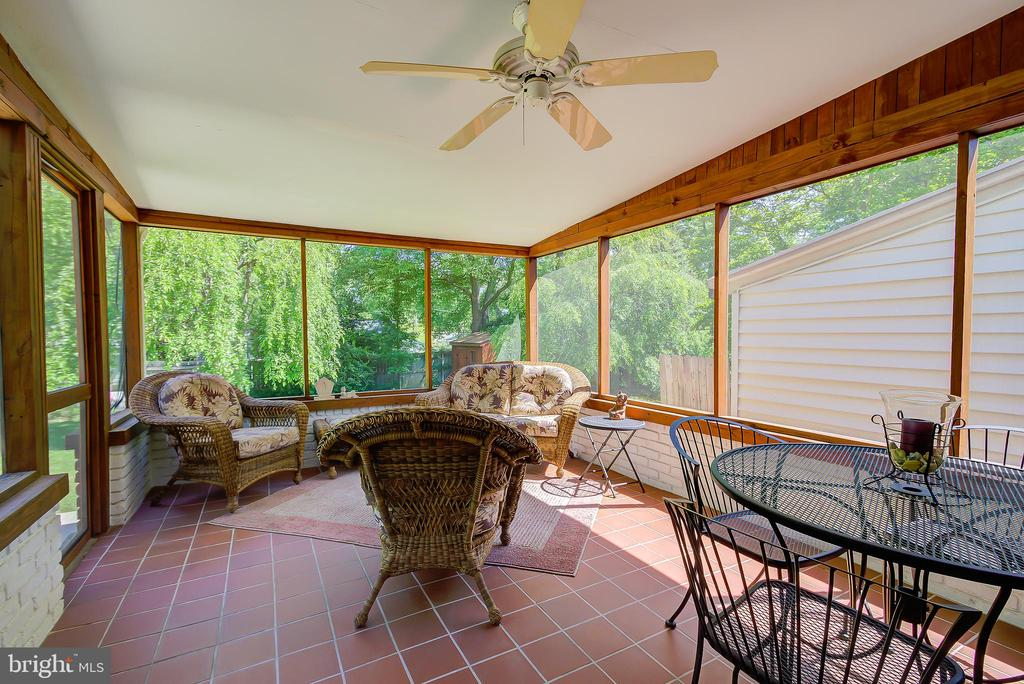 Screened-Porch - Off Family Room/Breakfast Room - 2502 CHILDS LN, ALEXANDRIA
