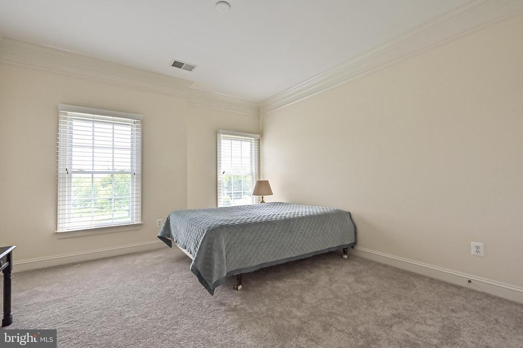 Bedroom #3 - 17215 IVANDALE RD, HAMILTON