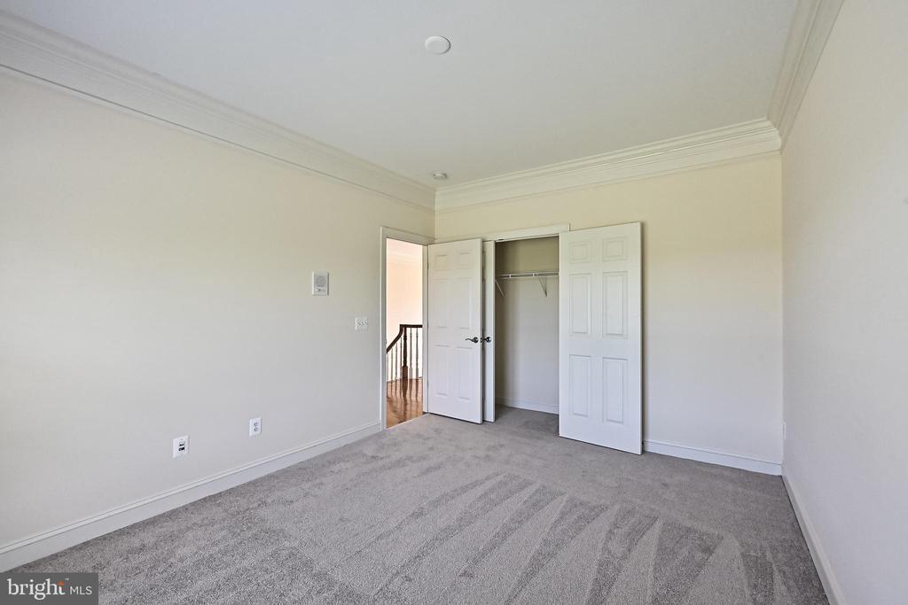 Bedroom #2 - 17215 IVANDALE RD, HAMILTON