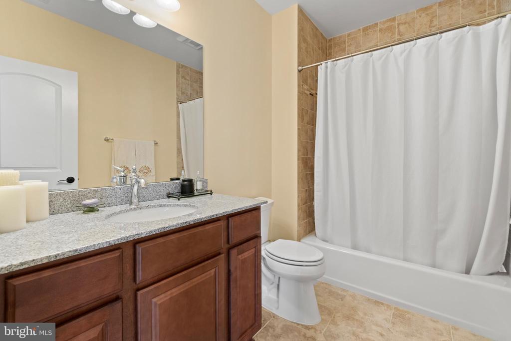 Full bathroom in the basement - 9903 S HARRIS FARM RD, SPOTSYLVANIA