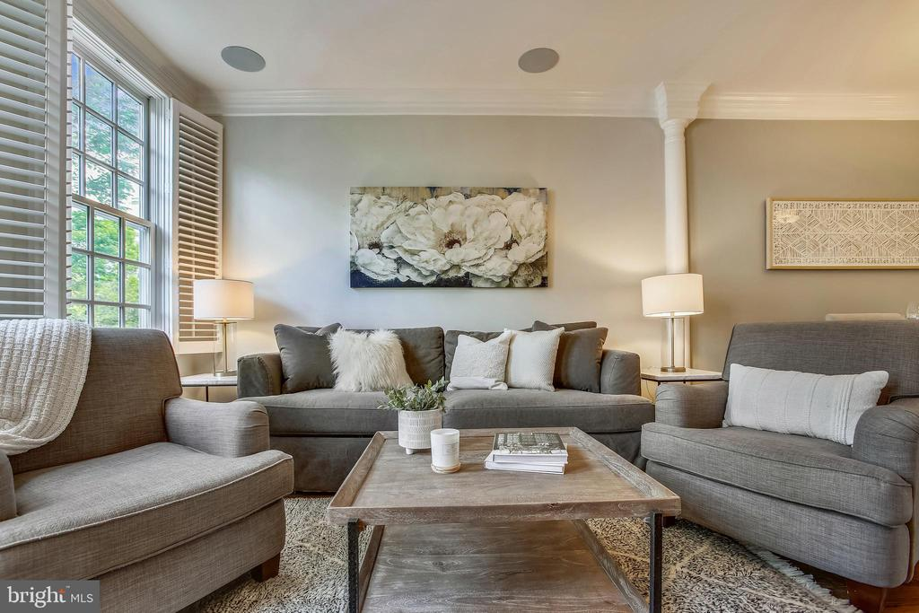 Living room - 8 KEITHS LN, ALEXANDRIA