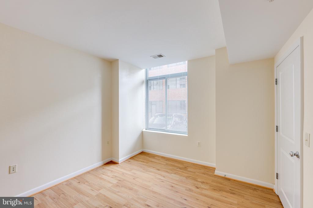 Bedroom - 851 N GLEBE RD #115, ARLINGTON