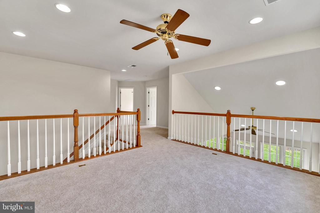 Spacious Loft Overlooking Family Room - 13206 TRIPLE CROWN LOOP, GAINESVILLE