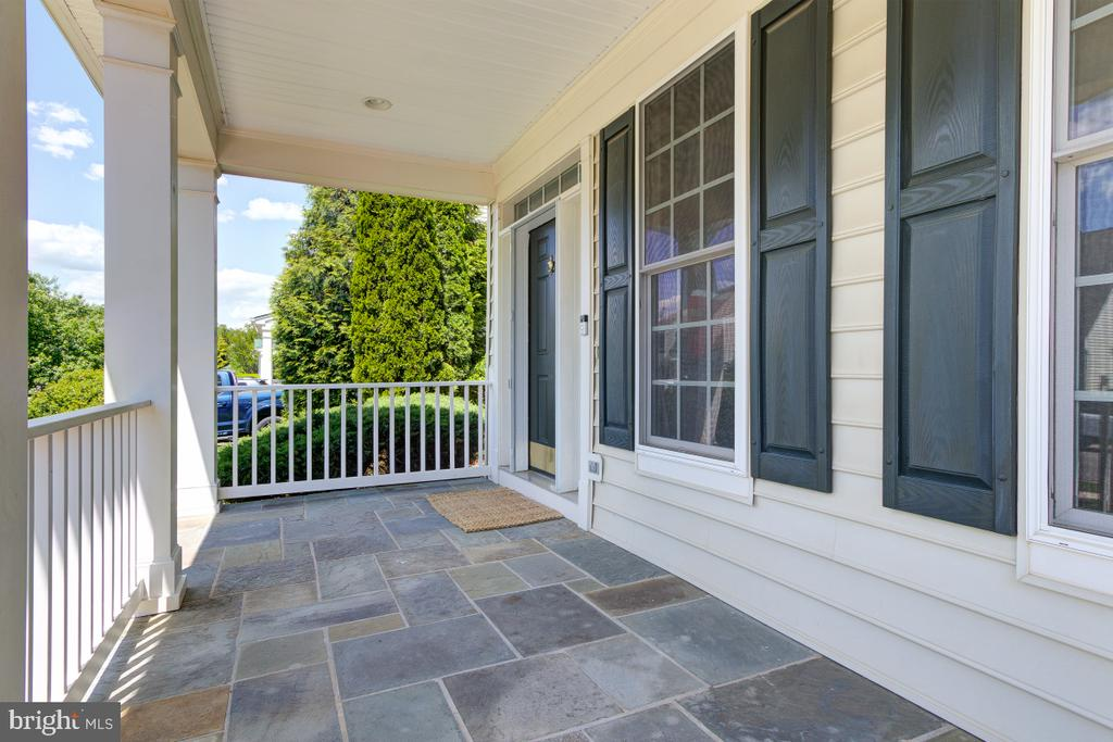 Welcoming Front Porch - 23096 RED ADMIRAL PL, BRAMBLETON
