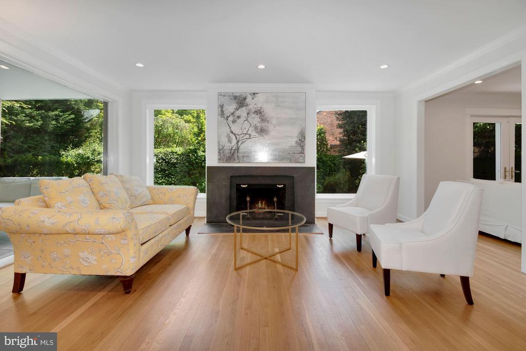 Living Room - 3033 WEST LANE KEYS NW, WASHINGTON
