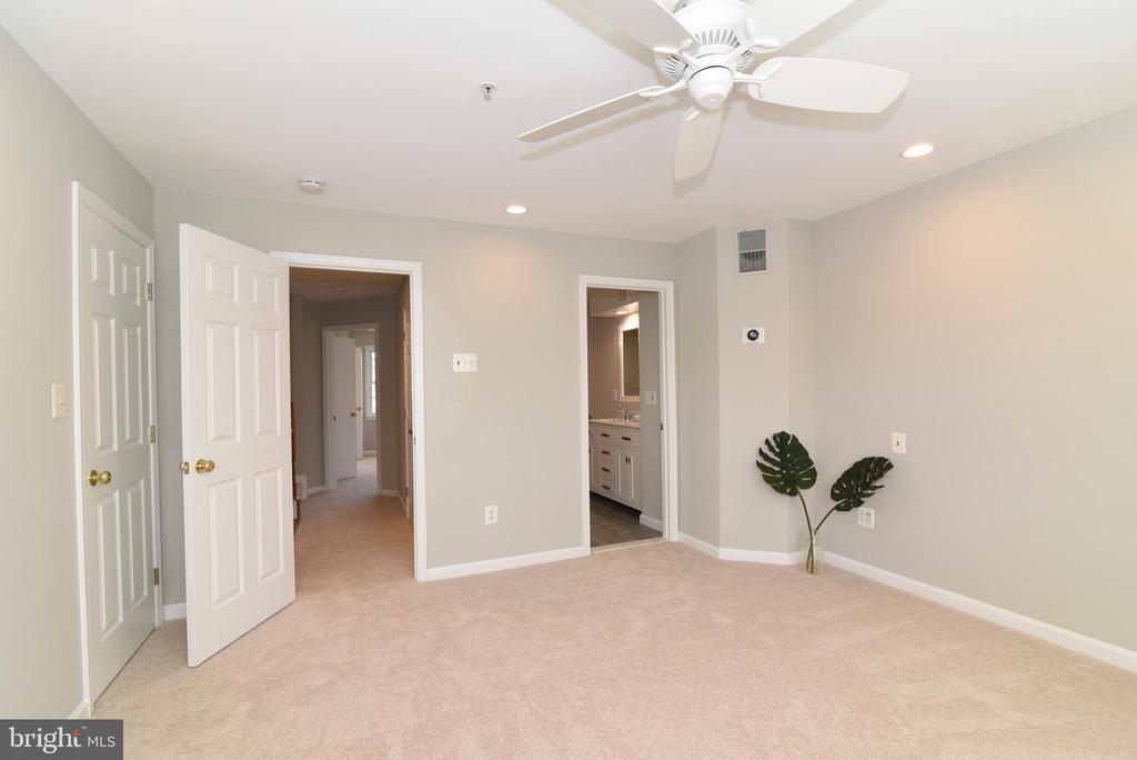 Primary bedroom - 12143 CHANCERY STATION CIR, RESTON
