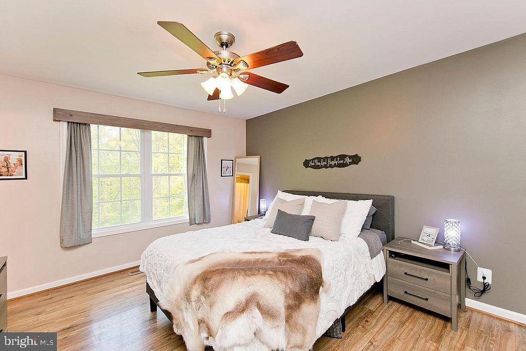 Master bedroom - 677 NORTHERN SPY DR, LINDEN