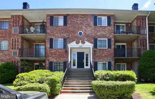 1531 COLONIAL DR #201