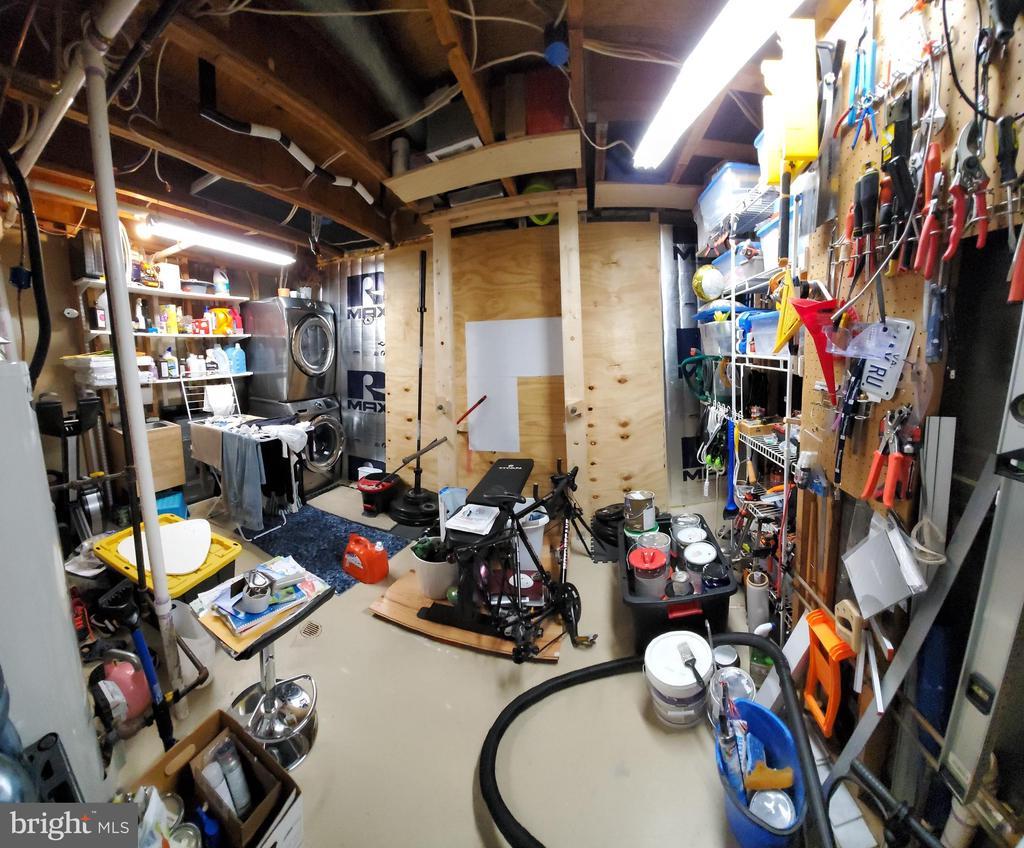 Storage / Laundry Room - 21238 HEDGEROW TER, ASHBURN