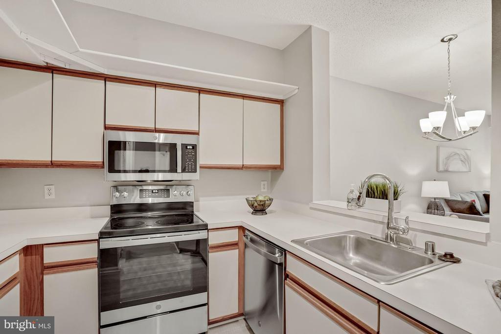 Kitchen - 2100 LEE HWY #G11, ARLINGTON