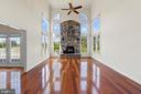 Two Story Family Room with Fireplace - 42341 GREEN MEADOW LN, LEESBURG