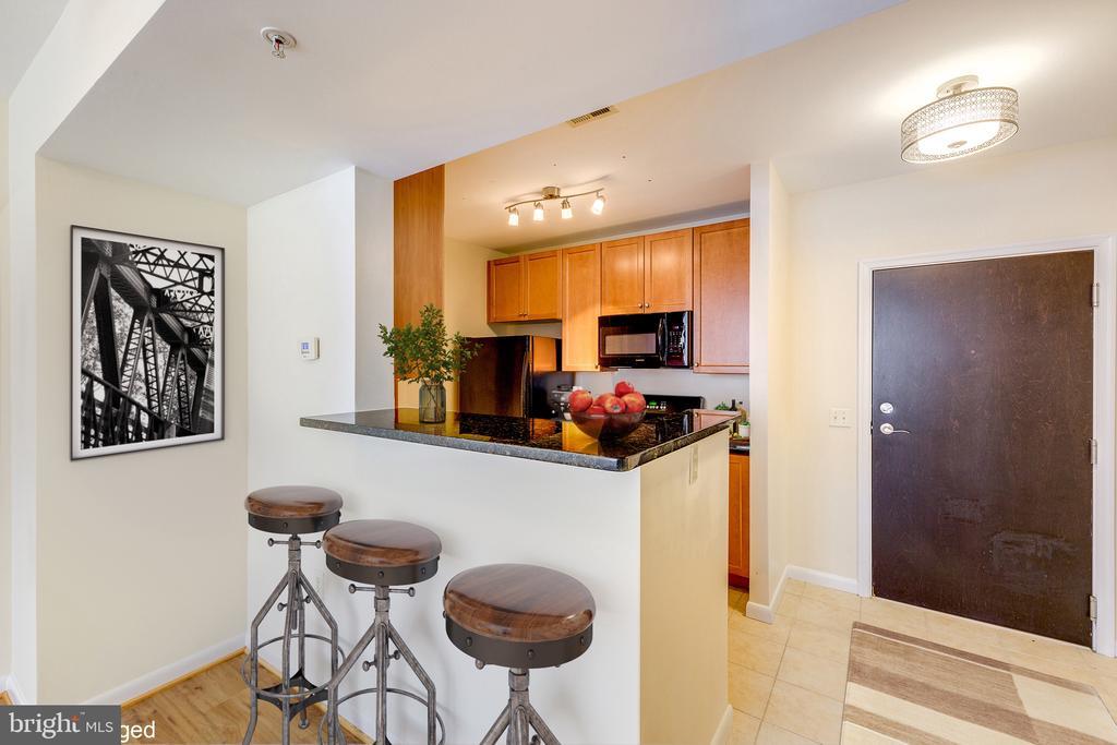 View Towards Kitchen - 851 N GLEBE RD #115, ARLINGTON