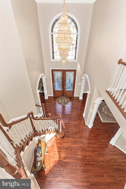 View from upper-level hallway - 25103 HIGHLAND MANOR CT, GAITHERSBURG