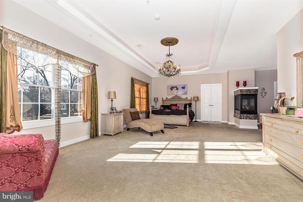Master bedroom - 25103 HIGHLAND MANOR CT, GAITHERSBURG