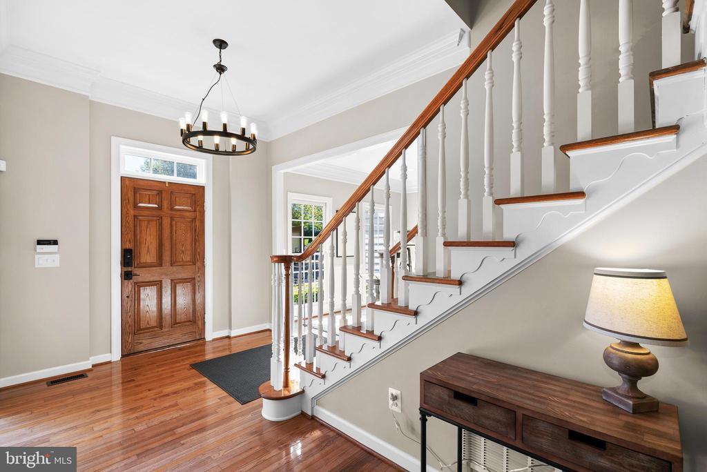 Elegant Foyer, Oak Door, Hardwood Floors & Stairs - 47273 OX BOW CIR, STERLING