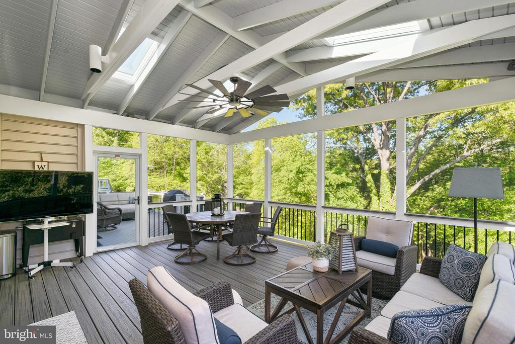 Gorgeous 320sf Screened Porch - 47273 OX BOW CIR, STERLING